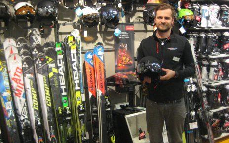 Sören Große Visierhelm Skiausrüstung