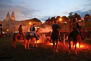 Abendliche Ritterstimmung beim Kaiser-Otto-Fest