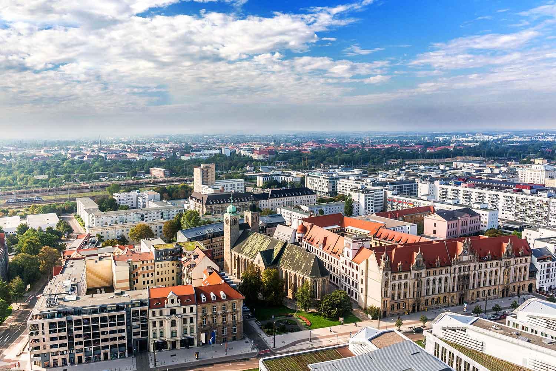 Luftaufnahme der Innenstadt von Magdeburg
