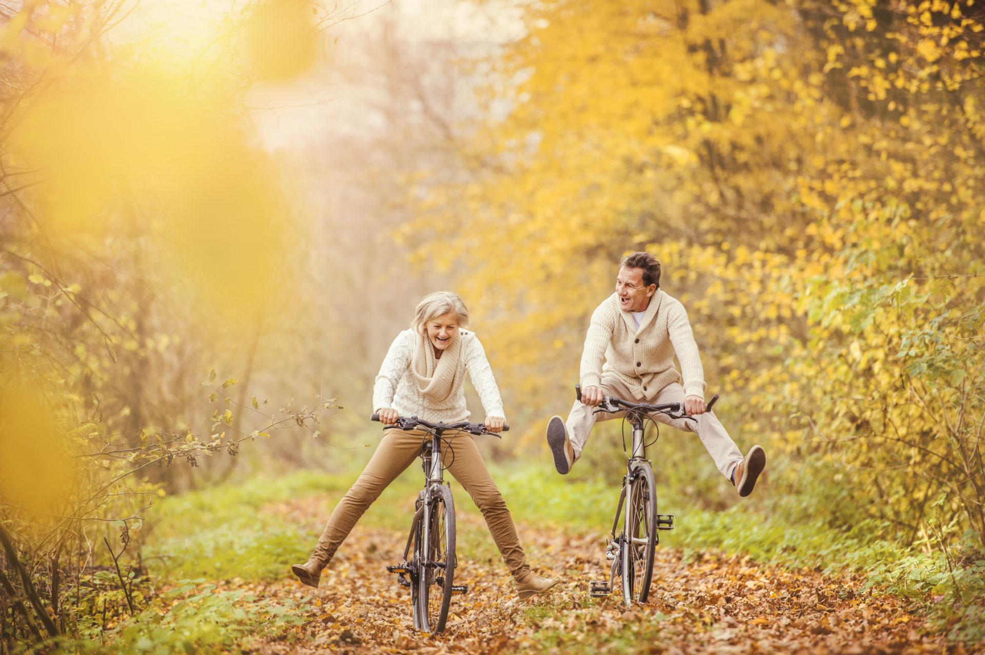 Fahrräder im Herbst