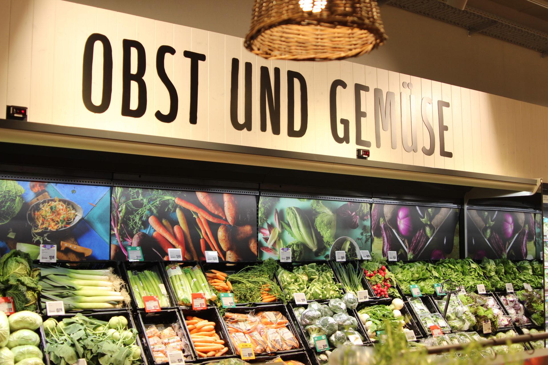 Rewe Neue an der Lübecker Straße hat eine große Obst - und Gemüseabteilung.